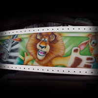 airbrush attraction painting aerograf karuzela decki kolotoc czech republik cartoon disney madagascar lion alex